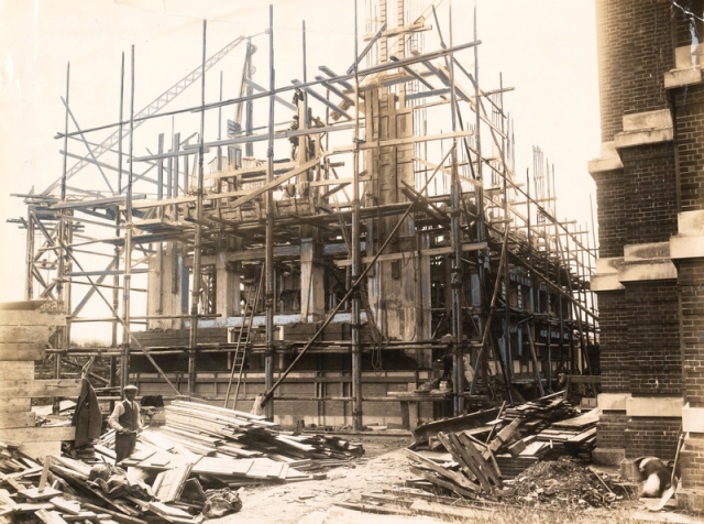 Workers on site building The National Library of Wales, 1911-1916 npc